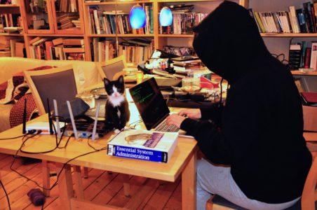 Hacker (m/w) hackt auf dem Freifunk Netz herum